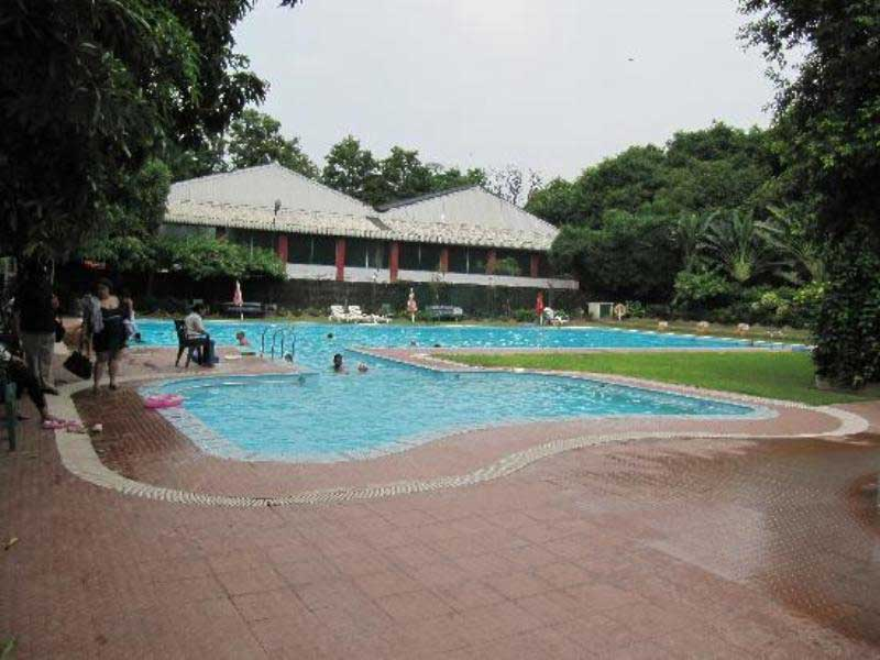 Tolly Club Outdoor Swimming Pool