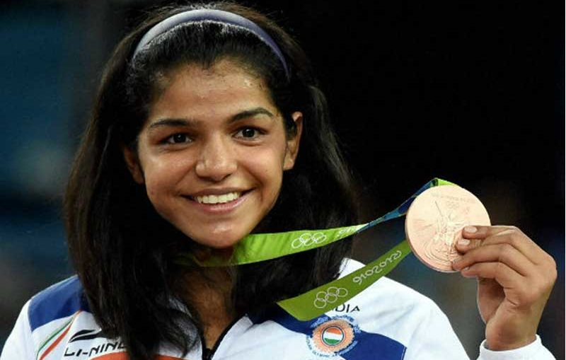 Sakshi Malik with Olympic medal